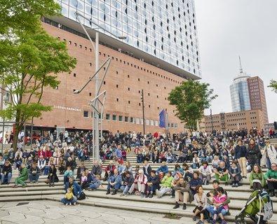 Elbphilharmonie Vorplatz / Lange Nacht des Singens
