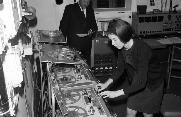 Delia Derbyshire, Desmond Briscoe, 1965