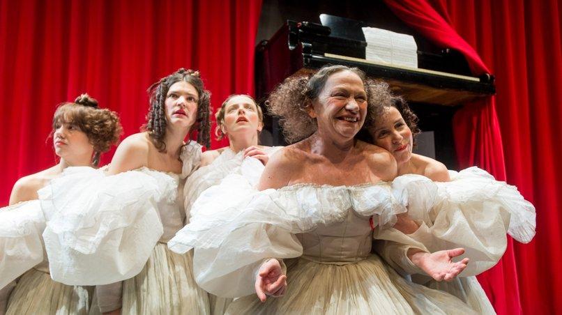 Elfriede Jelineks »Winterreise« in der Inszenierung von Anne Lenk am Hamburger Thalia Theater