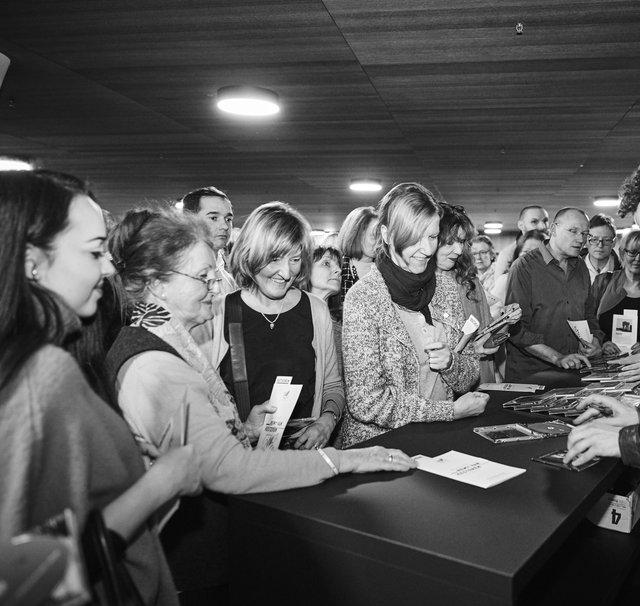 Signing / Remy van Kesteren
