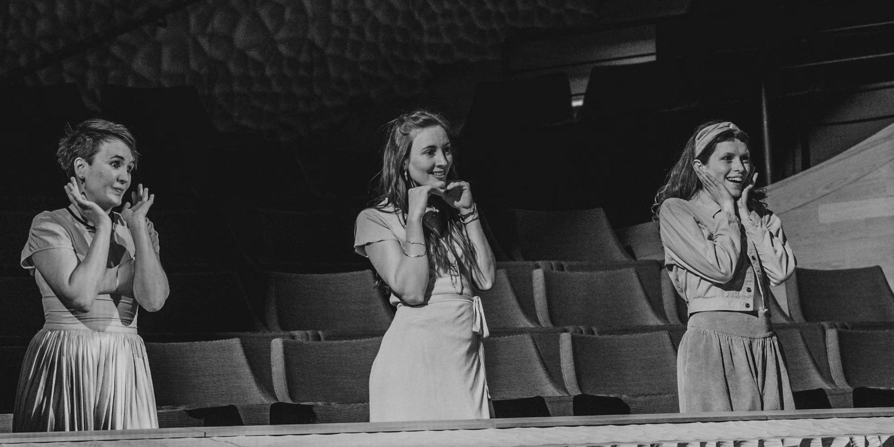 Three artists from the Backstage Jugendclub des Deutschen Schauspielhauses