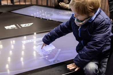 The Smart Table on the Elbphilharmonie Plaza