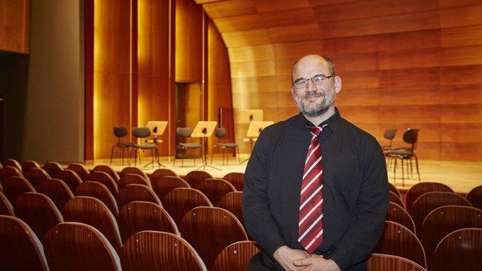 David Schlage, Bratschist im Ensemble Resonanz beim Konzert »Ferne Klänge« in der Laeiszhalle