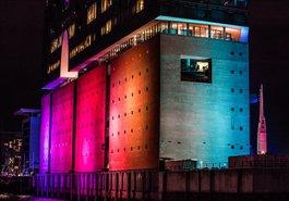 Die erleuchtete Elbphilharmonie