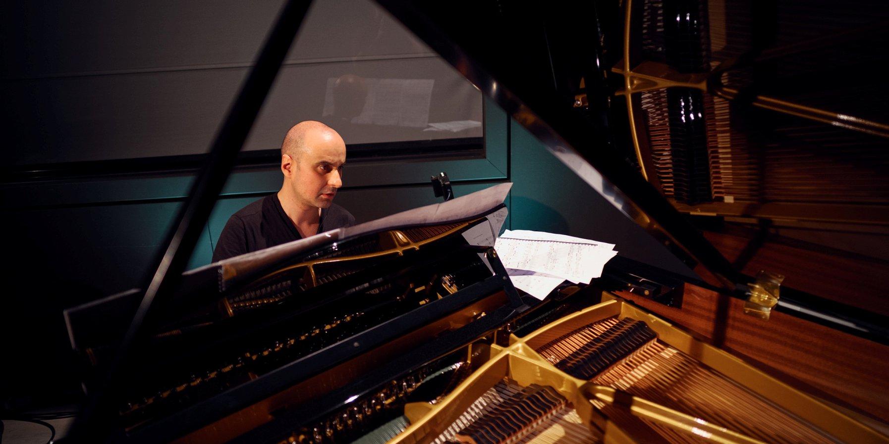 On the piano: Andrej Koroliov