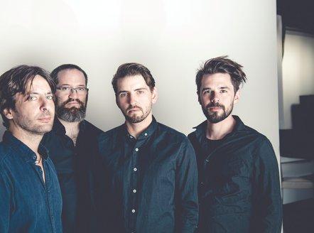 Pablo Held Trio / Nelson Veras