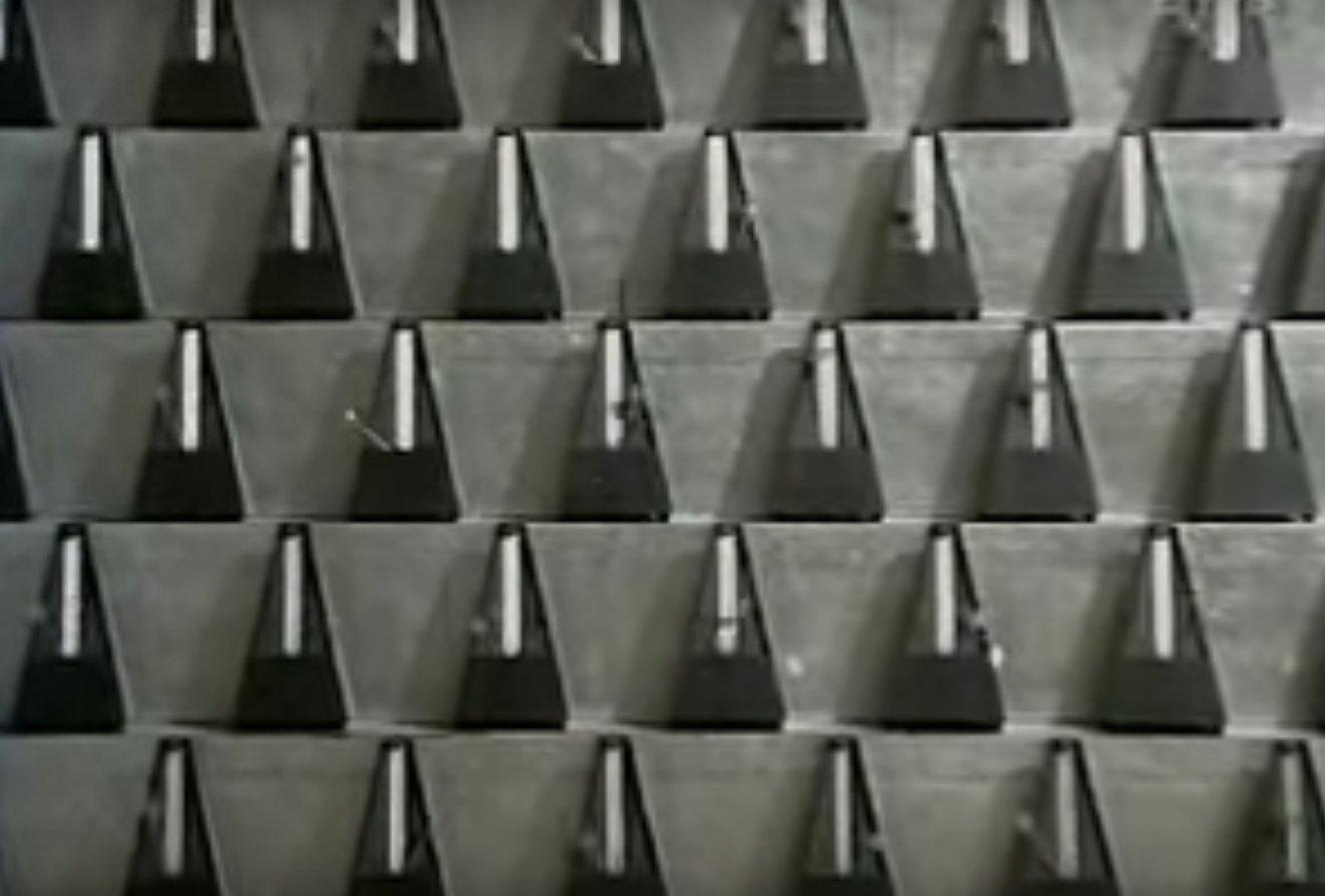 György Ligeti: Poema sinfónico para 100 Metrónomos