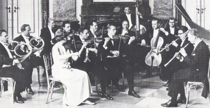 Concentus Musicus Wien with Nikolaus Harnoncourt playing cello (1972)