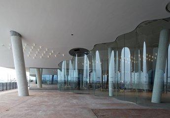 Plaza (2015)