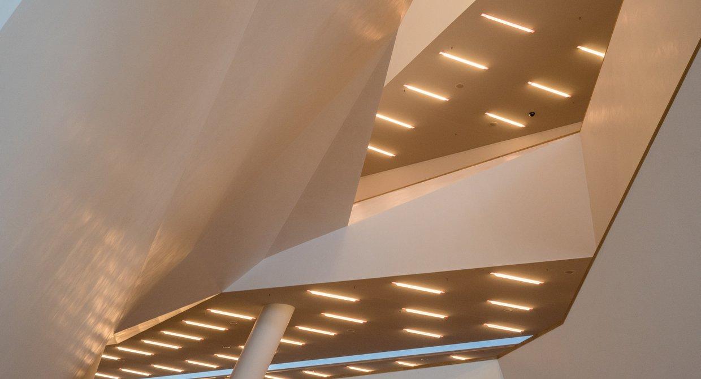 Leuchtröhren Foyer Großer Saal