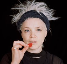 Wallis Bird