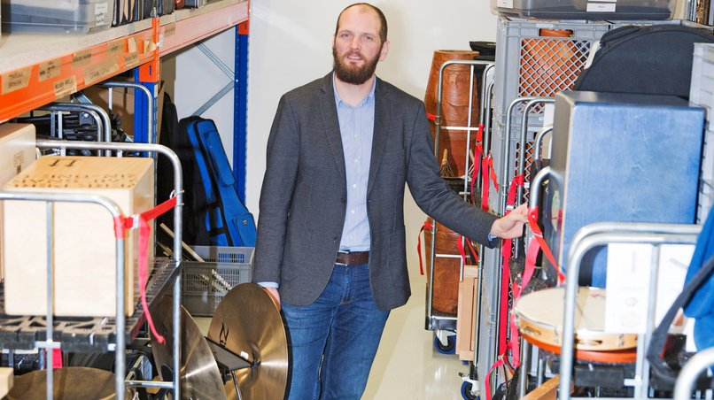 Benjamin Holzapfel in the World of Instruments
