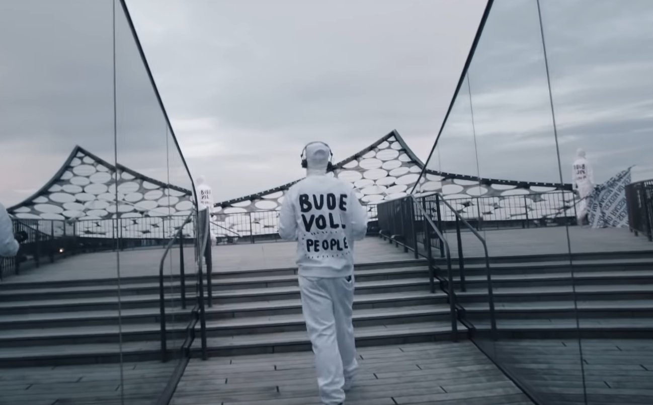 Deichkind auf dem Dach der Elbphilharmonie