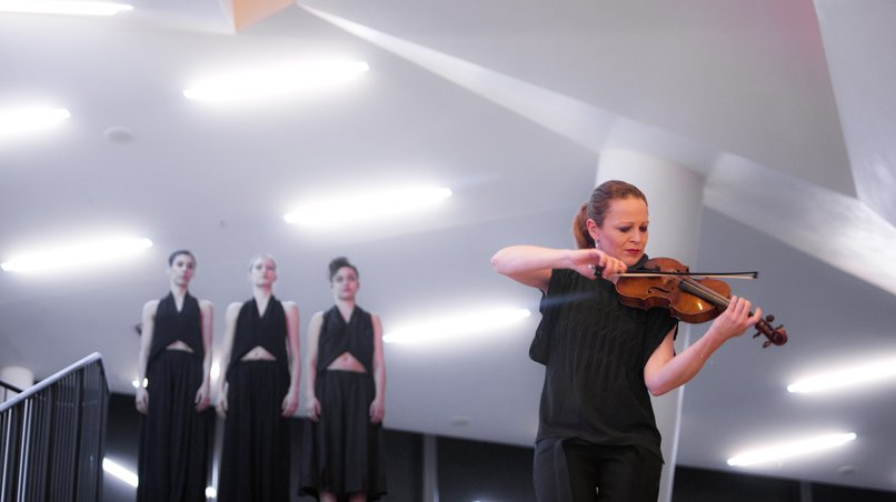 Vocalconsort Berlin / Carolin Widmann / Sasha Waltz
