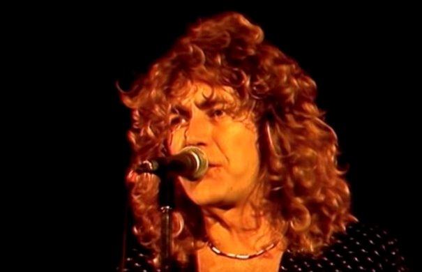 Led Zeppelin: Kashmir (Live in Knebworth, 1979)