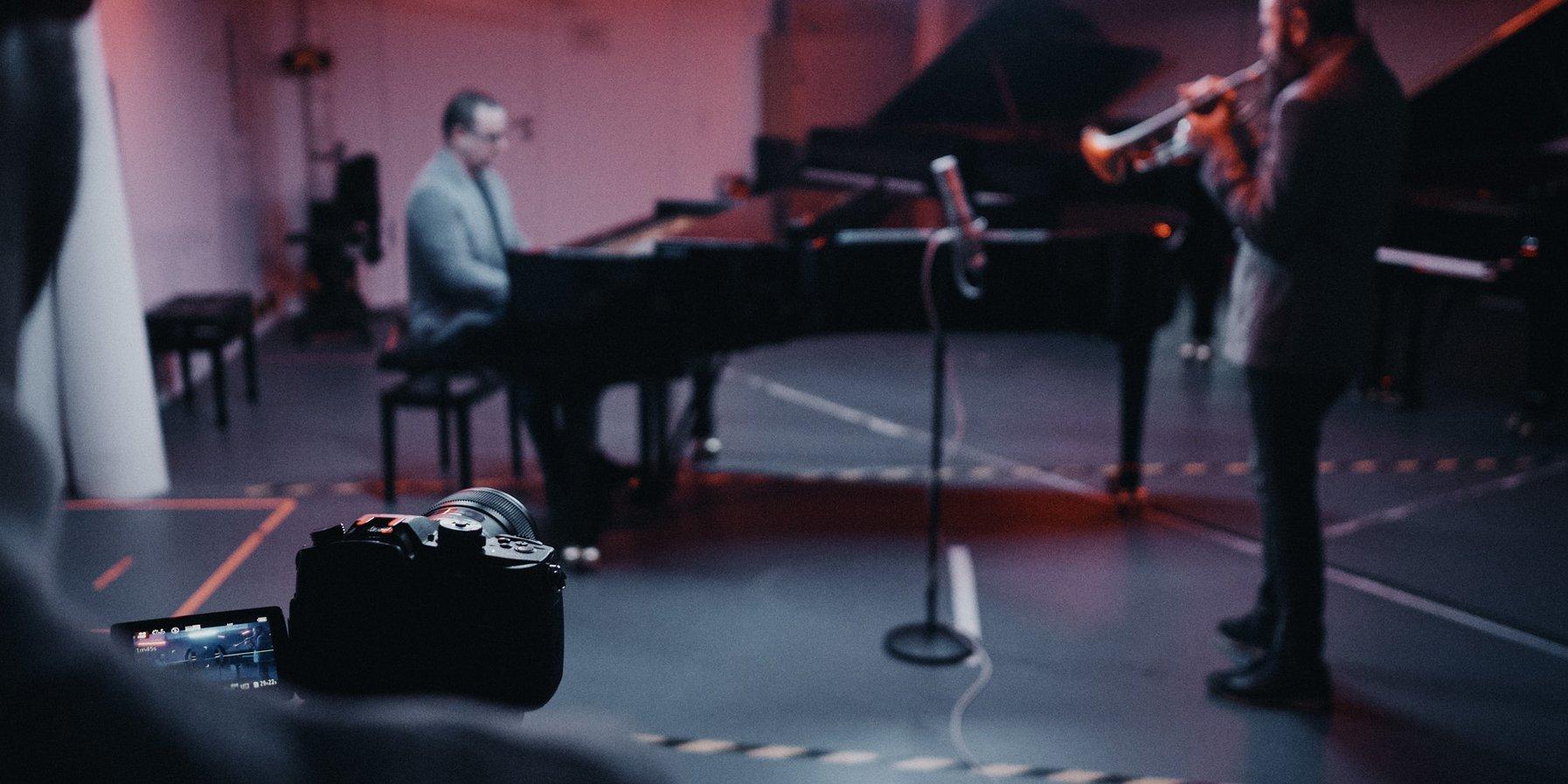 Avishai Cohen & Yonathan Avishai / Elbphilharmonie Sessions