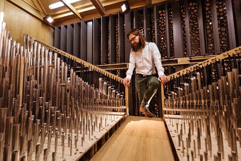 Orgel: Thomas Cornelius im Schwellwerk