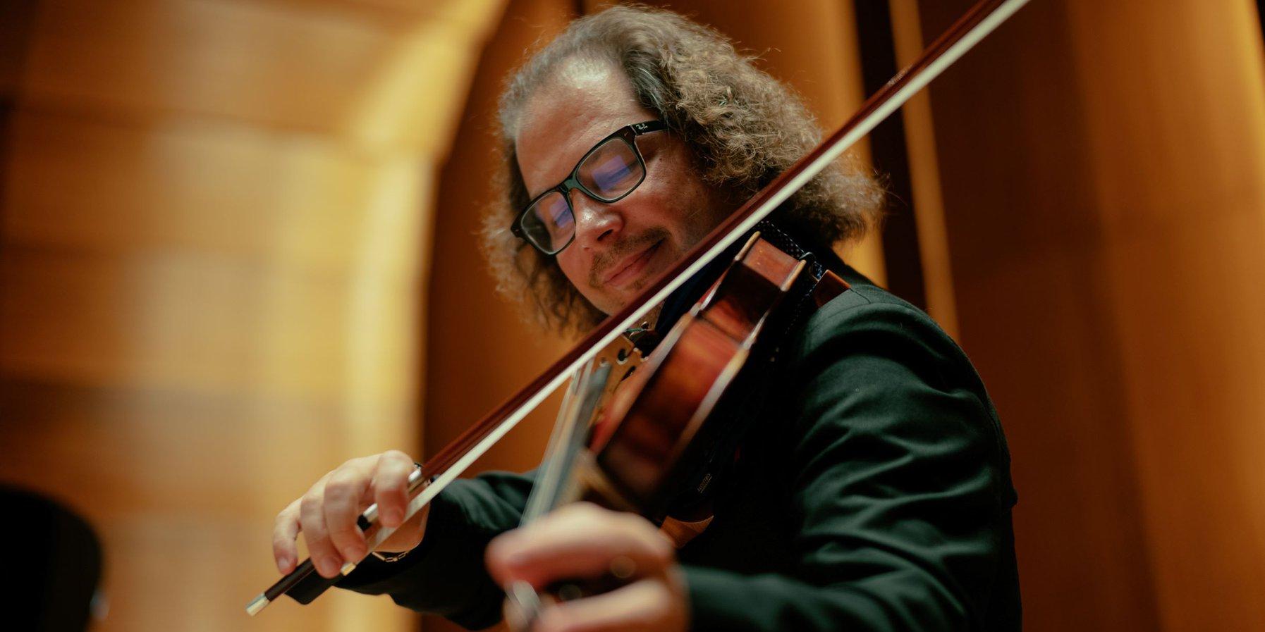 Volodia Mykytka, violist in the Szymanowski Quartet